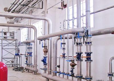 PLUMBING-Particolare-di-termoregolazione-di-stabilimento_pl